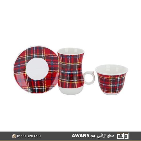 كوب قهوة وشاي مع القاعدة