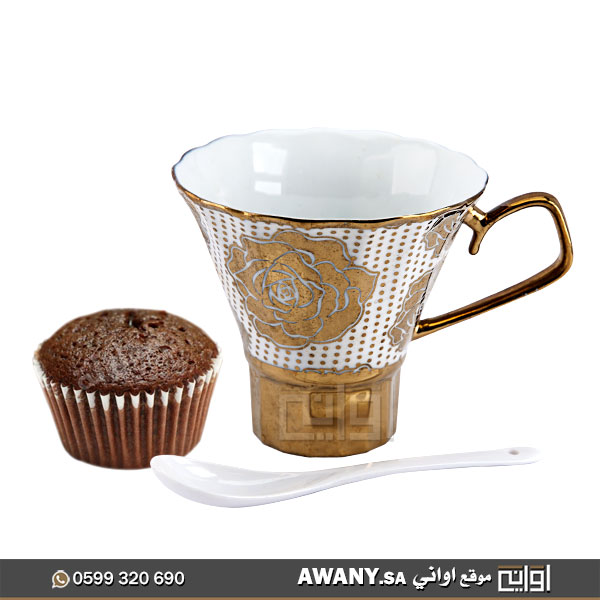 كوب-قهوة-مع-ملعقة